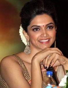 Some Unseen Cute Stills of Deepika Padukone