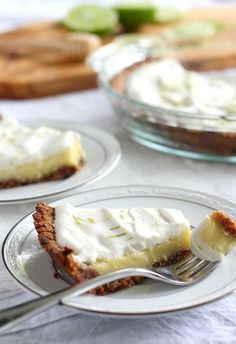 42. Paleo Key Lime Pie With Coconut Pecan Crust #paleo #desserts http://greatist.com/eat/paleo-dessert-recipes