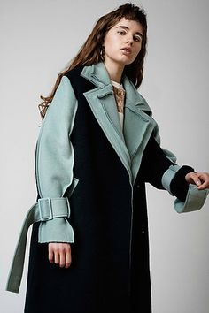 Shop the official Moon J site. View lastest Ready-To-Wear, Womenswear, shoes and accessories. Fall Winter 2015, Spring Summer 2018, Ready To Wear, Raincoat, Women Wear, Moon, How To Wear, Jackets, Collection