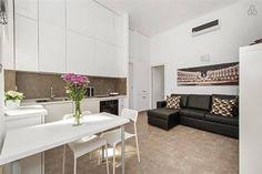 Dai un'occhiata a questo fantastico annuncio su Airbnb: Modern apartment at Trevi Fountain - Appartamenti in affitto