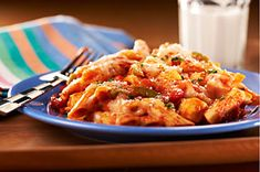 Chicken 'N Peppers Pasta Skillet recipe....sooo yummy!!!!  300 calories / 8 grams of fat per serving!