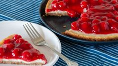 This vegan version of an all time favorite dessert will have you coming back for seconds. A graham cracker crumb crust is filled with tofu, nondairy cream cheese, lemon juice and zest, soy milk and cherry pie filling. Vegan Cheesecake, Vegan Cake, Vegan Desserts, Just Desserts, Dessert Recipes, Veggie Recipes, Baking Recipes, Vegetarian Recipes, Vegan Cream Cheese