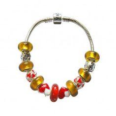 Marque: Pandora -Genre: Femme -Matière: Divers -Style: Unique               73,99 €  http://www.pariprix.com/pandora-cadeaux/passion-rose-diy-bracelet-pandora-captivant.html