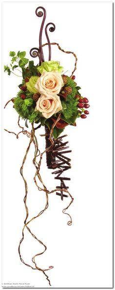 Smithers Oasis heeft voor het seizoen 2011 een nieuw kleurlijn samengesteld. Heel apart deze naturel tinten ook voor bruidswerk. Er wordt ve...
