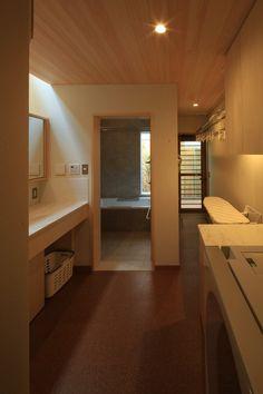 御影の家|横内敏人建築設計事務所 Furniture, Room, Laundry In Bathroom, House, Interior, Loft Bed, Home Decor, Bathroom, Laundry