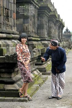 Foto Prewed Pre Wedding Photo for Widhi+Iwan at Candi Plaosan Jawa Tengah by Fotografer Yogyakarta, http://prewedding.poetrafoto.com/pre-wedding-photo-widhi-iwan-at-candi-plaosan_390