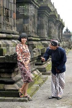 Foto Prewed Pre Wedding Photo for Widhi+Iwan at Candi Plaosan Jawa Tengah by Fotografer Yogyakarta, http://prewedding.poetrafoto.com/pre-wedding-photo-widhi-iwan-at-candi-plaosan_390