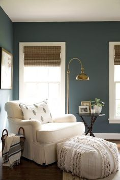 17 Stunning Master Bedroom Design Ideas – Modern Home Retro Home Decor, Home Decor Bedroom, Home Decor, House Interior, Blue Master Bedroom, Remodel Bedroom, Bedroom Color Schemes, Living Decor, Master Bedroom Colors