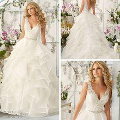 Sweet and Chic! #eogowns #ballgown #weddingdress #bridetobe #engaged #LNK #nebraskagirl #nebraskawedding #ruffles #inlove @morileeofficial
