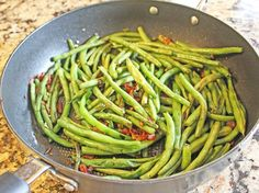 As promised, I have an amazingly simple, yet delicious recipe for green beans for you all today. You can make this in 20 minutes (or less) and you only need 5 ingredients to make it happen. The gre…