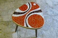 Mosaik Rockabilly Nierentisch mit Retro Muster Durchmaß 29cm, Hoch 29cm Verwendete Materialien: Tiffanyglas