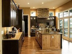Rustic Italian Kitchen an attractive way to welcome the bright colors for kitchens