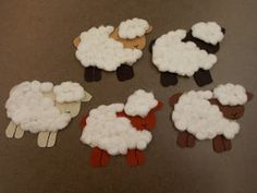 Fun with Friends at Storytime: Five White and Fluffy Sheep