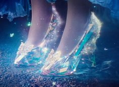 The beautiful new Disney Cinderella Trailer Debuts! Director Sir Kenneth Branagh Opens Up About the Live-Action Disney Movie! Cinderella 2015, Cinderella Live Action, Cinderella Movie, Cinderella Slipper, Cinderella Shoes, Disney Shoes, Cinderella Birthday, Style Disney, Disney Love