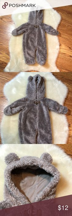 Carters newborn winter onesie Carters newborn winter zip up onesie. Fuzzy with bear ears. Good condition. Worn a few times. Feel free to ask questions 🙂 Carter's One Pieces Bodysuits