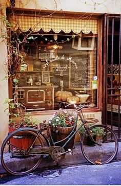 Bistro in Saint Remy de Provence, France Store Front Windows, Vintage Bakery, French Cafe, French Bistro, French Style, Enchanted Home, Shop Fronts, Provence France, South Of France