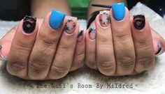 Blue, black & flowery 💐 #uñas #uñasacrilicas #uñasdecoradas #nails #acrylicnails #nailsofinstagram #glitter #squarenails #bluenails #blacknails #flowers #shortnails #nailpro #nailprodigy #nailsmagazine #nailsoftheday #nailitdaily #cute #pretty # instanails #notpolish