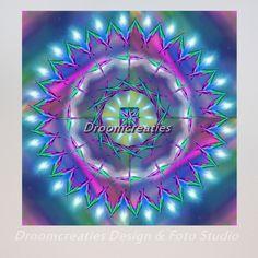 Mandala Cosmic Energy Alles is energie, energie is alles.De wereld is omgeven met energievelden. Kosmische energie (engels: cosmic energy) stroomt door je lichaam.Energieën kunnen botsen waardoor het kan bliksemen en donderen. Het mooiste van energie …