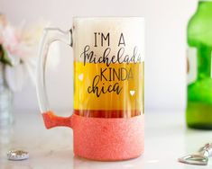 Because you're not a typical beer drinker. You're a Michelada kinda chica. Im a Michelada Kinda Chica Beer Mug Gifts For Beer Lovers, Beer Gifts, Gift For Lover, Wyoming, Girls Tumbler, Pint Of Beer, Le Colorado, Mason Jar Tumbler, Beer Wedding
