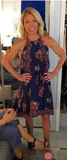 Who made  Kelly Ripa's blue floral dress?
