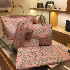 New IN 2017 Louis Vuitton Neverful & Speedy & Wallet and Scarf. #Louis #Vuitton #Handbags