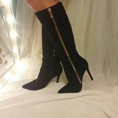 New Jessica Simpson suede boots Sexy knee high black suede boots with gold outer decorative zipper| inner ankle zip| size 8.5| new never worn Jessica Simpson Shoes Heeled Boots