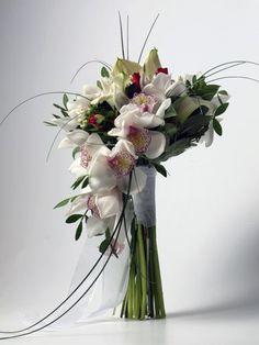 Composición para ramo de novia formada con #orquidea cymbidium blanco