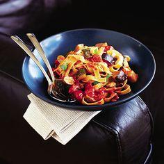 Tomato, aubergine, courgette and mozzarella tagliatelle - delicious. Vegetarian Pasta Recipes, Veggie Recipes, Cooking Recipes, Vegetarian Dish, Vegetarian Italian, Aubergine Mozzarella, Norman, Tagliatelle Pasta, Thing 1