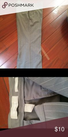 Casual Grey Pants Petite size 4. In great condition Liz Claiborne Pants Straight Leg
