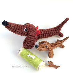 same pattern - 3 sizes The pattern is on Ravelry: http://www.ravelry.com/patterns/library/zoozia #dachshund #sausagedog #crochetdog #amigurumidoll #handmadeuk #miniature #dollhouseminiatures