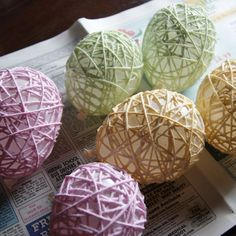 There's still enough time to make up some yarn Easter eggs! All you will need are small balloons, yarn, and glue to make this cute decor craft. I made mine a fe… Yarn Balloon, Balloon Crafts, Easter Egg Crafts, Easter Eggs, Easter Decor, Easter Stuff, Easter Ideas, Small Balloons, Water Balloons