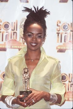 Pony Up The Jersey girl pulls her locs into a simple updo to accept her Soul Train Music Award. Black Girls Rock, Black Girl Magic, Hip Hop 90, Ms Lauryn Hill, Miseducation Of Lauryn Hill, Lauren Hill, Hair Evolution, My Hairstyle, Hairstyles