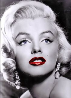 Marilyn Monroe - the ultimate Hollywood pin-up girl! of course...