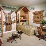 treehouse-like boys bedroom