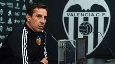 Gary Neville dipecat oleh Valencia setelah kurang dari empat bulan bertugas dan mantan pelatih Pako Ayestaran mengambil alih hingga akhir musim.