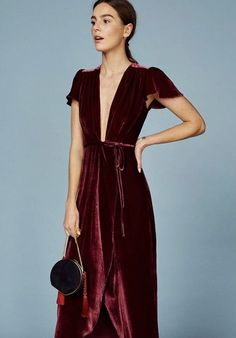 Here to solve any woes we had about what to wear this holiday, Net-A-Porter and Reformation have teamed up to create our idea of a dream evening wear wardrobe.