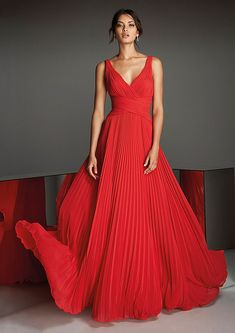 Front of knee-length red cocktail dress with V-neckline in metallic, stretch Mikado and modest V-neck Pronovias Evening Dresses Online, Cheap Evening Dresses, Prom Dresses, Chiffon Dresses, Formal Dresses, Red Cocktail Dress, Red Chiffon, Sequin Party Dress, The Dress