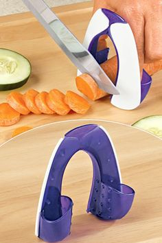 Plastic Finger Proctor Knife Guard Thermal Plastic Kitchen Tool Non Slip Silicone - Safe Slice Knife Guard: Avoid Accidents, Increase Speed, and Improve Accuracy. Get Professional Results Without Professional Ability. Home Gadgets, Cooking Gadgets, Kitchen Tools And Gadgets, Gadgets And Gizmos, Cooking Tools, Kitchen Items, Kitchen Utensils, Kitchen Hacks, Kitchen Appliances