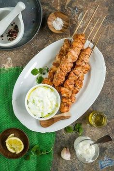 Sosy na grilla My Recipes, Recipies, Cooking Recipes, Tzatziki, Bbq Party, Yummy Eats, Tandoori Chicken, Chicken Wings, Grilling
