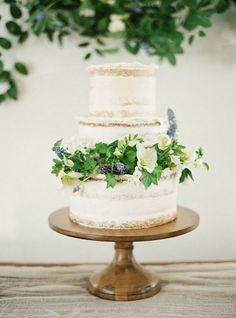 photo: NBarrett Photography via Wedding Sparrow; rustic wedding cake idea