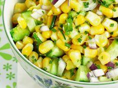 Meksikolainen maissisalaatti - Reseptit Joko, Easy Salads, Fruit Salad, Cantaloupe, Food And Drink, Cooking Recipes, Vegetarian, Tasty, Vegetables