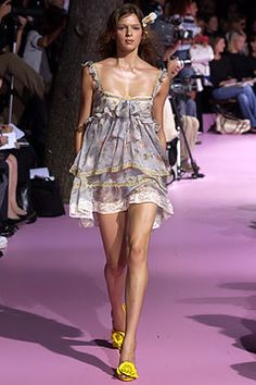 D&G - Spring Summer 2004 Ready-To-Wear - Shows - Vogue.it