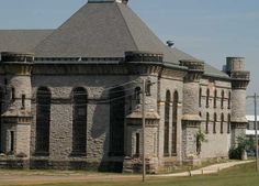 huanted homes in ohio | Mansfield Haunted Houses, Ohio State Reformatory, HauntedHouses.com