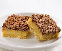 From the classic to the imaginative. Discover simple Rice Krispies* recipes for unforgettable memories. Wine Recipes, Food Network Recipes, Dessert Recipes, Cooking Recipes, Melting Chocolate Chips, Caramel Recipes, Bread And Pastries, Rice Krispie Treats, Dessert Bars
