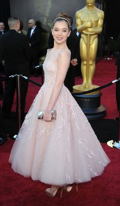 Hailee Steinfeld in Marchesa - 2011, oscars, The Best Oscar Dresses Ever, red carpet