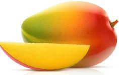 #Mango Composición por 100 gramos de porción comestible    Energía (Kcal)58     Proteínas (g) 0,6  Glúcidos totales (g)    13,4  Azúcares (g) 13,1  Lípidos totales (g)     0,2  Saturadas (g)   0,05  Fibra (g)    2,3  Sodio (mg)    2  Colesterol total (mg)    0  Vitaminas: vitamina A, B9, E, C, carotenoides Información obtenida de: Tablas de composición de alimentos del CESNID http://www.nutrigame.es