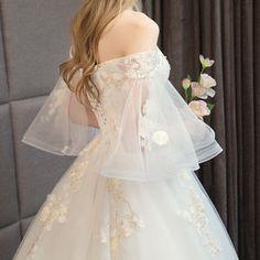Dream Wedding Dresses, Bridal Dresses, Wedding Gowns, Prom Dresses, Elegant Dresses, Pretty Dresses, Vestidos Estilo Boho, Fantasy Dress, Quinceanera Dresses