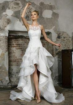 (IT) Levitas by Fabio Gritti Long Wedding Dresses, Bridal Dresses, Wedding Gowns, Pretty Dresses, Beautiful Dresses, Gorgeous Wedding Dress, Wedding Attire, Dream Dress, Designer Dresses