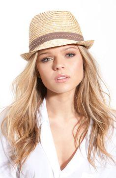 Lovin this woven-straw pork pie hat!