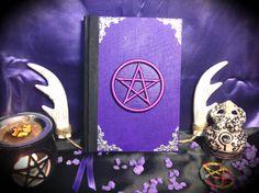 """Libro delle Ombre """"Purple Pentacle"""" di LittleSorcerer su Etsy"""
